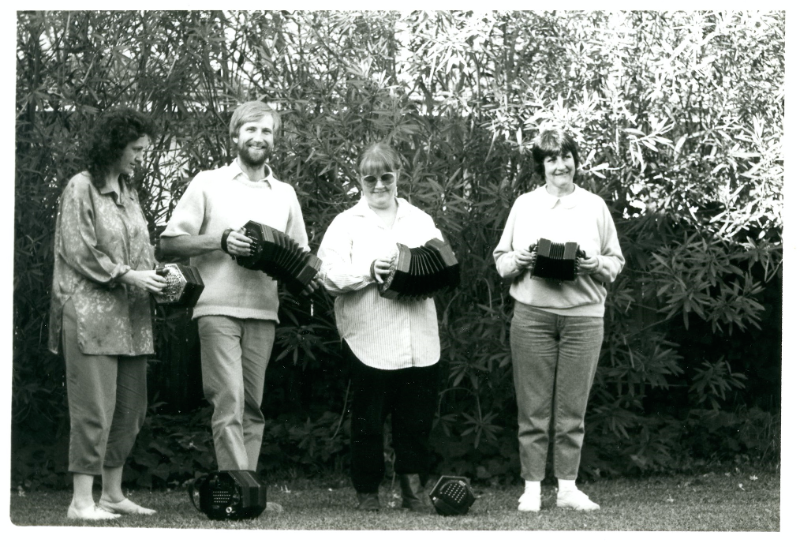 1985 founding line-up of the Australian Concertina Band